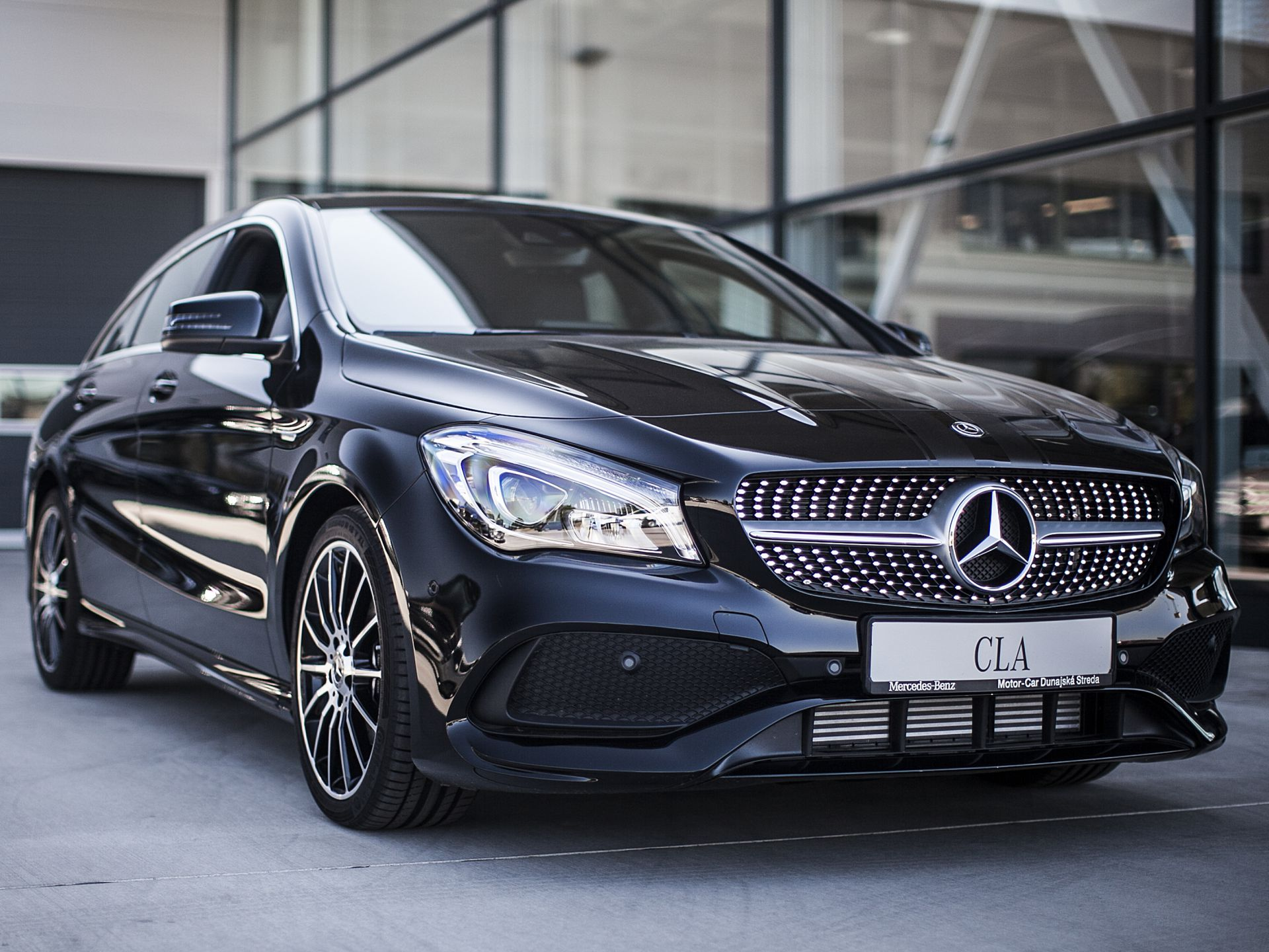 mercedes cla 180 shooting brake. Black Bedroom Furniture Sets. Home Design Ideas